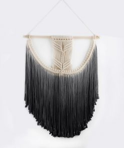 Schwarzer Makramee-Wandbehang